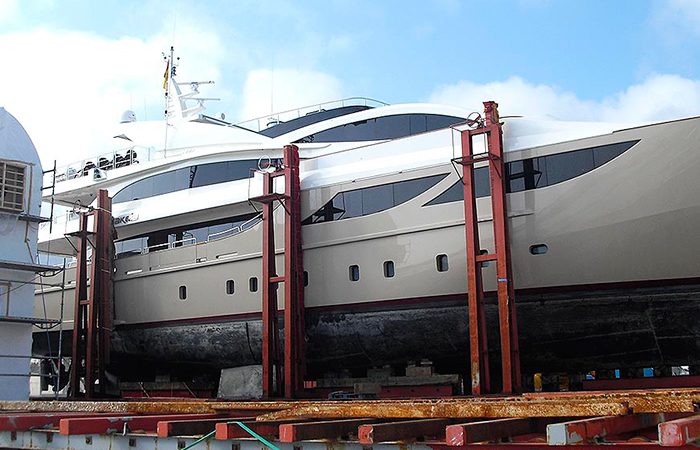 BenyMar Yachtpaint has worked for the M/Y AMARANTA