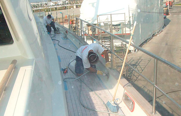 BenyMar Yachtpaint has worked for the S/Y OBSESSION II